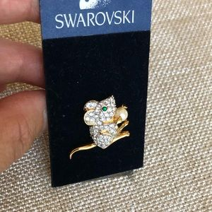 Swarovski Mouse with Pearl Brooch